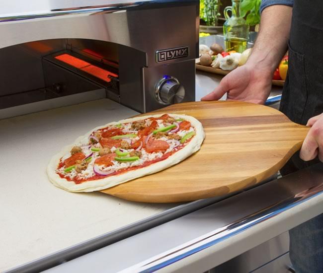 lynx outdoor portable pizza oven