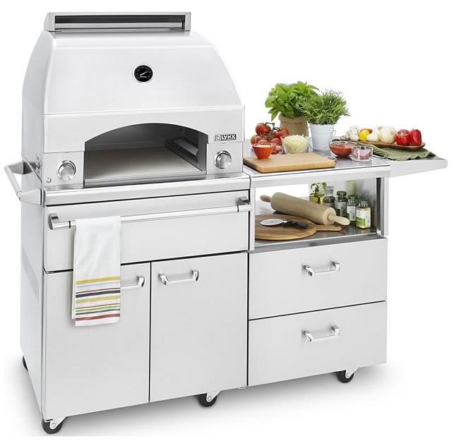 Great Outdoor Kitchen Complete With Pizza Oven: Lynx Outdoor Portable Pizza Oven